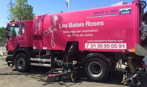 camion balais roses